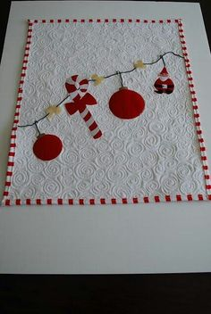 great backing for a christmas quilt......................pc.....................Tapete