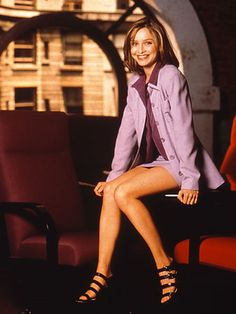Calista Flockhart - women do owe something to the flighty young lawyer Ally McBeal: She almost singlehandedly made the workplace safe for bare legs, freeing us from the tyranny of mandatory pantyhose. Work Fashion, 90s Fashion, Fashion Beauty, Vintage Fashion, Ally Mcbeal, Professional Wear, Stars Then And Now, Iconic Women, Office Looks