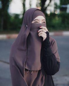 Hijabi Girl, Girl Hijab, Hijab Dp, Hijab Dress, Niqab Fashion, Muslim Fashion, Fashion Outfits, Beautiful Muslim Women, Beautiful Hijab