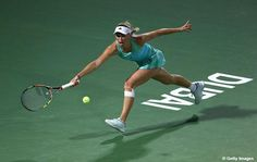 Caroline #Wozniacki is in to her 5th straight Dubai Duty Free Tennis Championships semifinal.