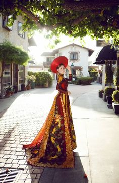 "vietnam , ethnic groups in Vietnam, danang city , trungviet kingdom , "" ao dai cachtan """