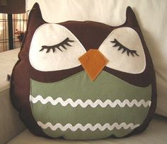 Brown Stewart the Owl Vintage Inspired Wool Felt Applique Decorative Doll Pillow via Etsy Owl Crafts, Kids Crafts, Sewing Crafts, Sewing Projects, Cute Pillows, Owl Pillows, Burlap Pillows, Decorative Pillows, Owl Always Love You