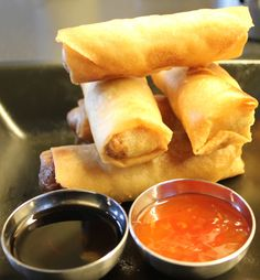 Food N, Food And Drink, Vietnamese Spring Rolls, Norwegian Food, Norwegian Recipes, Vietnamese Cuisine, Asian Recipes, Ethnic Recipes, Tapas