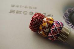 加賀のゆびぬき「松毬」 2 、「青海波」 : Needlework Note