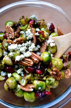 brussels sprouts with cranberries & pecans Pan-Seared Brussels Sprouts with Cranberries, Blue Cheese & Pecans. Sounds good to me!Pan-Seared Brussels Sprouts with Cranberries, Blue Cheese & Pecans. Sounds good to me! Side Dish Recipes, Vegetable Recipes, Vegetarian Recipes, Dinner Recipes, Cooking Recipes, Healthy Recipes, Sprout Recipes, Cookbook Recipes, Salad Recipes