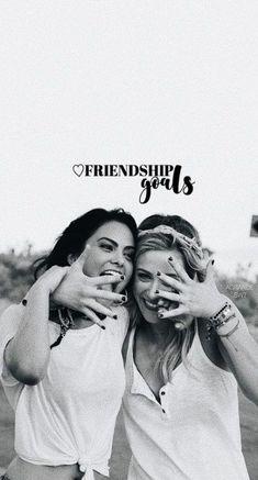Trendy Wallpaper Riverdale Friends – Netflix Movies – Best Movies on Netflix – New Movies on Netflix Riverdale Tumblr, Memes Riverdale, Riverdale Poster, Kj Apa Riverdale, Riverdale Netflix, Riverdale Aesthetic, Riverdale Betty, Riverdale Funny, Betty Cooper