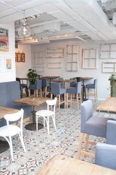 1900 Montaner Azul 20x20cm Floor Tiles Gres