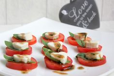 ❤️ Thermomix - Rezepte mit Herz & Pampered Chef ❤️ Rezeptideen &Co. Fingerfood Party, Tomate Mozzarella, Snacks Für Party, Brunch, Caprese Salad, Low Carb, Pampered Chef, Form, Super
