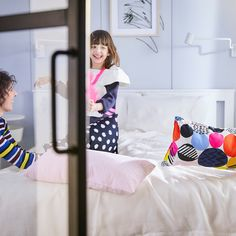 Namještaj i dekoracije za tvoj dom Ikea Bean Bag, Bean Bag Sofa, Ikea Table, Table Lamp, Photo Lamp, Living Room Flooring, Wood Design, Toddler Bed, Modern