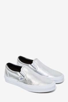 I WANT!!! Classic Slip-On Sneaker in Metallic Leather / by Vans
