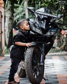 Yamaha Fz Bike, R15 Yamaha, Biker Chick, Biker Girl, Iphone Wallpaper Joker Hd, Biker Couple, Duke Bike, Motorcycle Helmet Design, Prabhas Pics