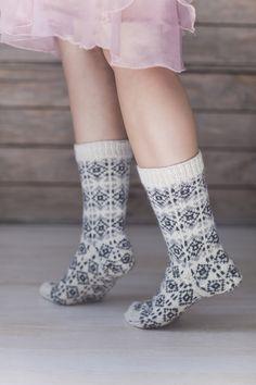 Novita wool socks, Cable socks made with Novita Nalle (Teddy Bear) yarn - Super knitting Fair Isle Knitting, Knitting Socks, Hand Knitting, Knit Socks, Woolen Socks, Men In Heels, Knitting Accessories, Cute Pattern, Knit Crochet