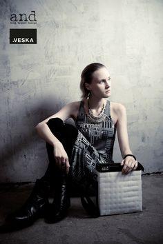 .VESKA -bag (made of recycled window blinds) Photo: Johanna Karttunen