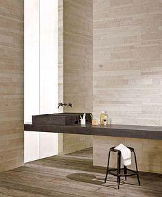 Lithoverde recycled stone wall treatments | spiegel van plafond tot vloer met kraan uit de spiegel (poetsen!)