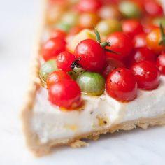 Tarte de Tomate e Ricotta E hoje, domingo de sol,... | Be Nice, Make a Cake