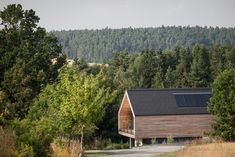 GOL 2 - Single-family home by goya Architects Contemporary Cabin, Wooden Facade, Modern Barn House, Modern Floor Plans, Wood Architecture, Garden Studio, Building Facade, House In The Woods, Log Homes
