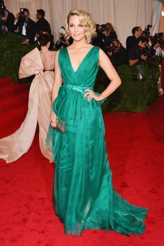 Dianna Agron in Carolina Herrera at 2012 Met Gala.