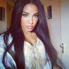 Long Straight Dark Hair - Blue Eyes - Perfect Makeup