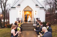 Brides Magaine: A Colorful Spring Wedding at Hawthorne House in Kansas City
