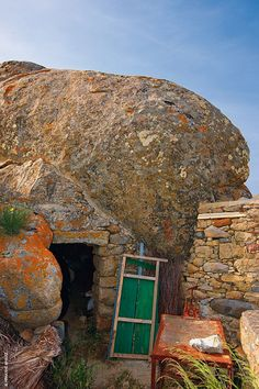 Granite Stone, House Inside, Firewood, Mount Rushmore, Greece, Cabin, Island, Mountains, House Styles