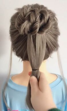 Hair style for long hair – Tutorial Per Capelli Easy Hairstyles For Long Hair, Diy Hairstyles, Easy Updos For Long Hair, Long Thin Hair, Hair Up Styles, Style Hair, Long Hair Video, Hair Videos, Hair Hacks