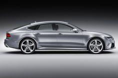 Sembra una coupé ma in realtà è una comoda quattro posti! #AudiRS7Sportback