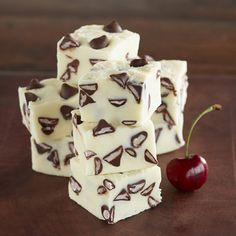 Premier White Fudge with Cherry Flavored Filled DelightFulls™