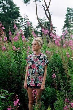Women's fashion ootd camouflage flower garden
