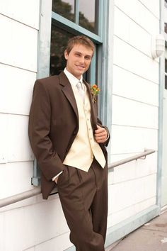 Brown suits for the wedding! so handsome!