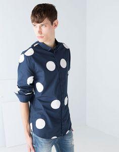 Ahorra $250 en Camisa de topos grandes para Caballero, en Bershka.  #PromoMap #Promo #Moda