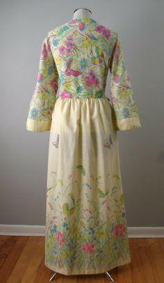 back view, 1960s cotton / blend sheeting houserobe