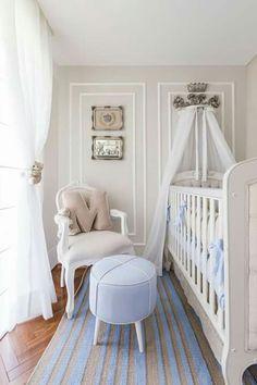 Quarto bebê menino Provençal! Cadeira Luís XV para bebê! Pufe reformado em azul.