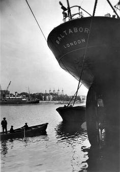 Cargo ship Baltabor at Hay's Wharf looking towards Brewer's Quay