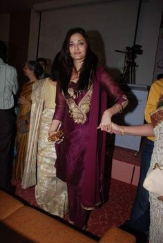$136.75 Aishwarya Rai In Eggplant Cotton Bollywood Salwar Kameez 16110