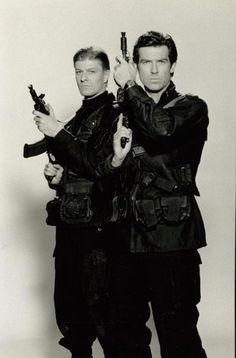 Sean Bean and Pierce Brosnan Promo. Jamás pensé que alguien pudiera quitarle protagonismo en mi vida a Pierce... pero ocurrió exactamente en esta película, 007 Goldeneye, la mejor película de 007 hasta el momento (para mi gusto claro)