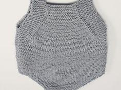 parte de atras del peto para bebe Knitting For Kids, Baby Knitting Patterns, Crochet For Kids, Knit Crochet, Baby Coat, Summer Jacket, Rompers, Outfits, Facebook