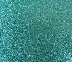 Glitz Flex er en førsteklasses tekstilvinyl, hvis lette tekstur giver en super glimmereffekt.Stryges/presses ved 160 grader i 18 sekunder. Weedes koldt. Vaskes i maskinen ved max 60 grader, med vrangen udad. Tørretumbler anbefales ikke!Prisen er for et ark i størrelsen 20x25 cm. Et mindre ark kan vælges under options.