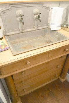 Love the wash basin. Must be French?