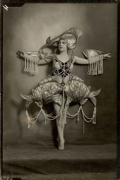 Folies Bergere costumes: topless showgirl 1920s