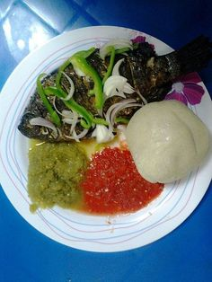 Banku and Tilapia with Peppers Stew Ghanaian recipe, with easy step-by-step instructions & resources to obtain traditional, often hard to find ingredients. Nigerian Soup Recipe, Nigeria Food, Ghanaian Food, West African Food, Cooking Recipes, Healthy Recipes, Exotic Food, Food Goals, Mets