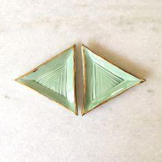 ASSIETTE TRIANGLE MENTHE Ceramics, Lifestyle, Handmade Ceramic, Mint, Plate, Ceramica, Pottery, Ceramic Art, Porcelain