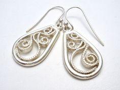 Sterling-Silver-Filigree-Dangle-Piereced-Drop Earrings-Vintage-jewelry