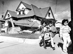 Kids walk home from school past a home at 5th and Jefferson in Watsonville that was leveled by the quake. 10-26-89. Damage from the 7.1 Loma Prieta Earthquake that rocked the San Francisco area. Photo: Scott Sommerdorf, The Chronicle