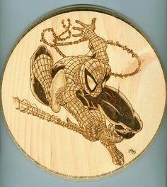 Wood Burning Crafts, Wood Burning Patterns, Wood Burning Art, Wood Crafts, Todd Mcfarlane Spiderman, Pyrography Patterns, Wooden Slices, Wood Circles, Marvel Characters