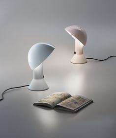 Pour ton bureau, en blanc ou...noire Lampe Elmetto, Elio Martinelli (Martinelli Luce)