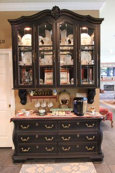 Mesmerizing China Cabinets And Hutches For Your Dining Room Design: Black Wooden China Cabinets And Hutches With Clear Glass Storage Door For Awesome Dining Room Design Old Furniture, Refurbished Furniture, Repurposed Furniture, Furniture Projects, Furniture Making, Furniture Makeover, Painted Furniture, Furniture Design, Office Furniture