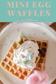 Watch your kiddos eyes grow to the size of Easter eggs when they see Mini Egg waffles! 🙂 So easy to make and so delicious! Easy Holiday Recipes, Mini Eggs, Holiday Fun, Easter Eggs, Waffles, Side Dishes, Easy Meals, Yummy Food, Breakfast