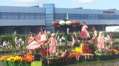 #FlowerParade 2014 #Westland; Flowers available at www.barendsen.nl