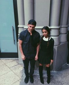 Zane and Liza. Is it just me or does Liza look like Wednesday Adams? Best Vloggers, Liza Koshy And David Dobrik, Jason Nash, Scotty Sire, Trevor Moran, Cute Youtubers, Ricky Dillon, Vlog Squad, Joey Graceffa