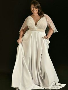 plus size and fabulous in Studio Levana curvy bridal gown